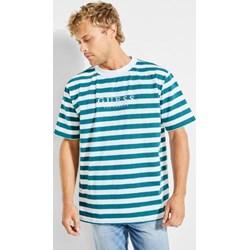 836662d024a01 T-shirt męski Guess z krótkim rękawem wielokolorowy z napisem