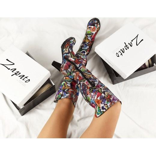 ecf50f3526144 ... kolano w abstrakcyjne wzory skórzane eleganckie · Kozaki damskie  wielokolorowe Zapato eleganckie skórzane na słupku