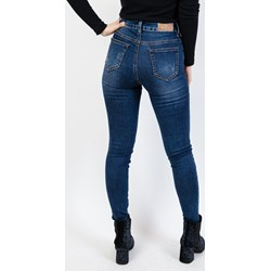 cb13f3c457 Granatowe jeansy damskie