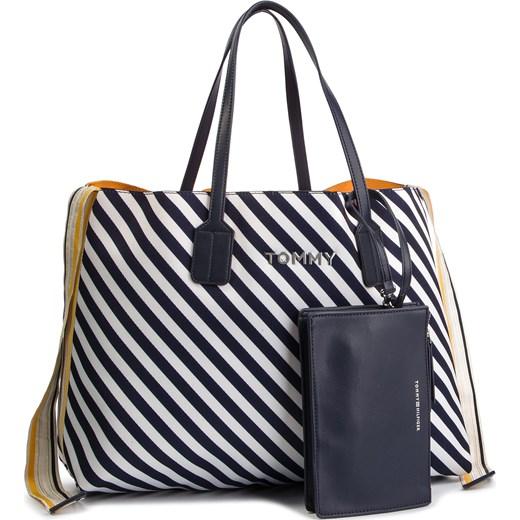 431da7c2ef7ca Shopper bag Tommy Hilfiger wielokolorowa elegancka duża z nadrukiem ...