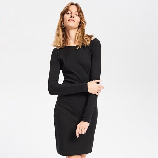 5b27cfc8bb Dzianinowa sukienka. Sukienka Reserved mini z długim rękawem na spacer  casual ...
