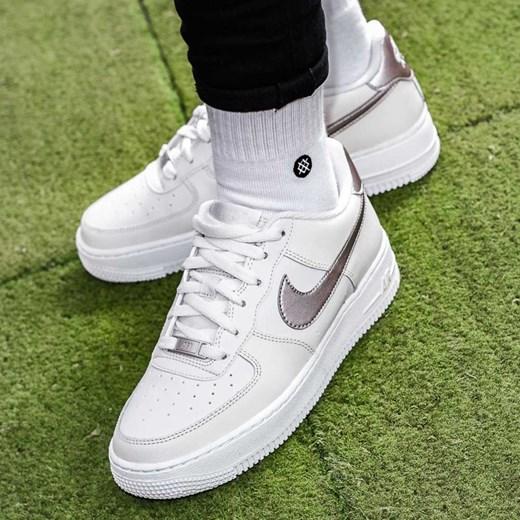 buy popular 45bc2 0079c Buty sportowe damskie Nike dla biegaczy air force ...