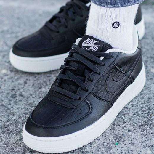 49a1b526 Buty sportowe damskie Nike do biegania air force bez wzorów płaskie  sznurowane ...