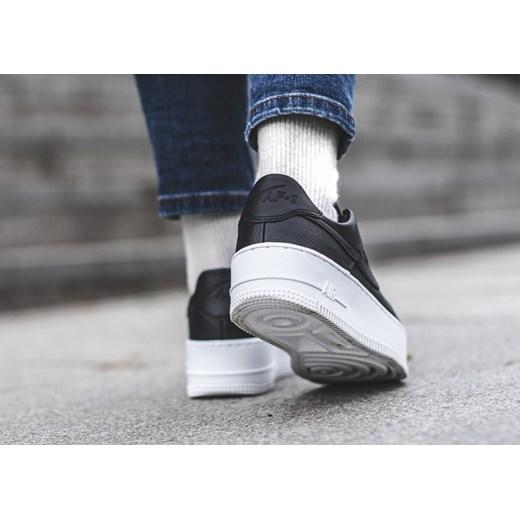 30% OBNIŻONE Buty sportowe damskie Nike do biegania zoom
