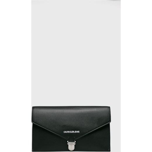 25d915c16b24d Kopertówka Calvin Klein elegancka ze skóry ekologicznej niemieszcząca a4
