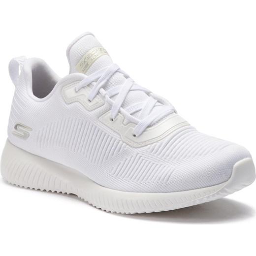 e8eb4288c6ec ... Buty sportowe damskie Skechers do fitnessu białe na płaskiej podeszwie