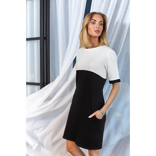 da40b8e782 Czarna sukienka Moe mini z krótkimi rękawami z okrągłym dekoltem w ...
