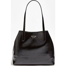 b7676a2f32fe4 Shopper bag Guess lakierowana średniej wielkości na ramię skórzana bez  dodatków elegancka