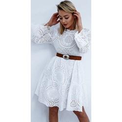9085b2f208 Sukienka midi biała z okrągłym dekoltem z długim rękawem