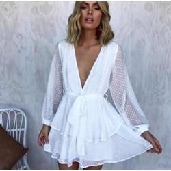 f6c0ddb4aa4a6f Sukienka biała na imprezę rozkloszowana z długimi rękawami