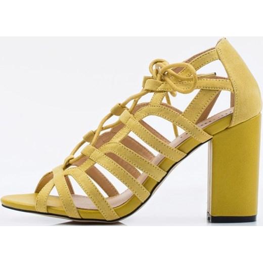 485cfaac2f01a0 Sandały damskie Monnari skórzane żółte wiązane na słupku w Domodi