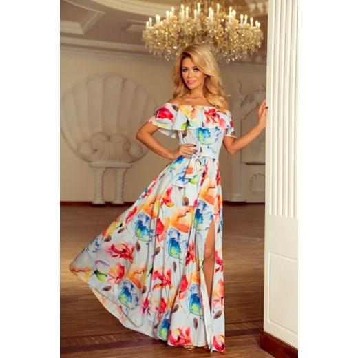 9eaddbf76f ... Sukienka Numoco z dekoltem typu hiszpanka oversize owa maxi   Wielokolorowa sukienka Numoco oversize z krótkim rękawem ...