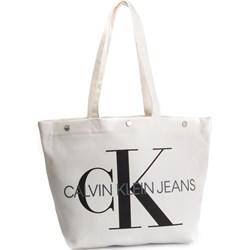 b91f584a00c6e Shopper bag biała Calvin Klein bez dodatków ...