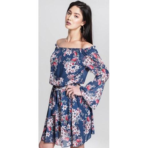 96a14e2dc2 Sukienka Renee w kwiaty z odkrytymi ramionami na spacer z długim rękawem ...