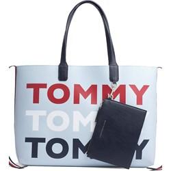 f721e73446a29 Shopper bag Tommy Hilfiger z breloczkiem matowa duża na ramię
