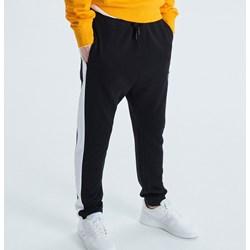 1110c7eb53f98 Spodnie męskie Cropp dresowe