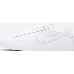 8c48da91 Trampki damskie Nike z niską cholewką białe sznurowane wiosenne na płaskiej  podeszwie bez wzorów