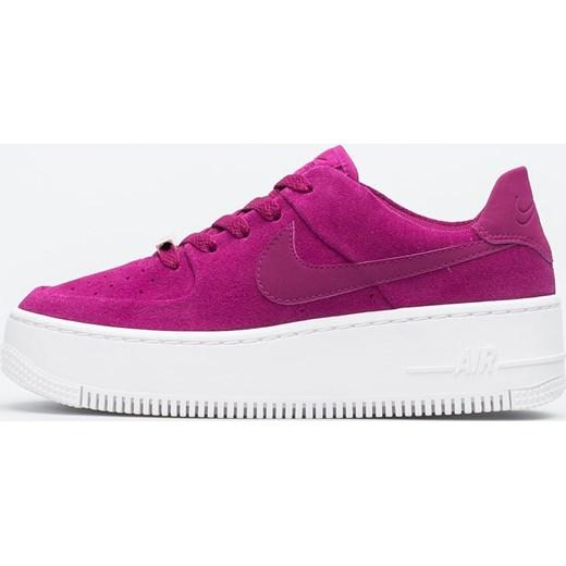 new concept 0a328 cd715 Buty sportowe damskie Nike do biegania air force różowe na platformie  sznurowane · WMNS AIR FORCE 1 SAGE LOW ...