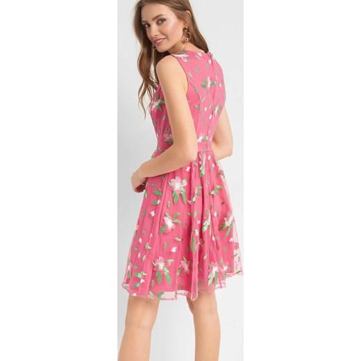 3a093cc12e ... Sukienka ORSAY różowa rozkloszowana midi z okrągłym dekoltem ...