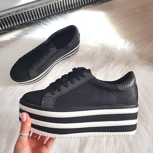 szyk Sneakersy damskie Fila wiązane na platformie bez wzorów