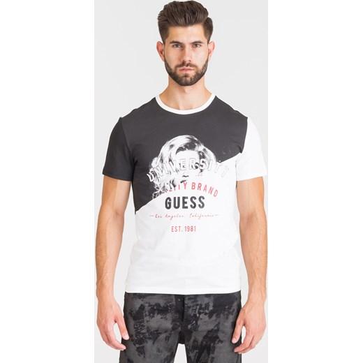 8908215721202 T-shirt męski Guess z krótkim rękawem w Domodi