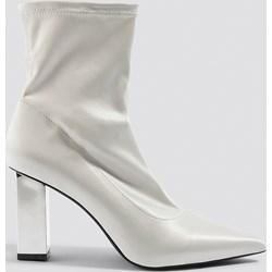 7b15a2c1bd513 Botki NA-KD Shoes eleganckie na jesień białe na słupku