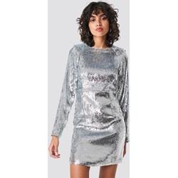 17530f701e1b75 Sukienka NA-KD Party glamour prosta mini z okrągłym dekoltem