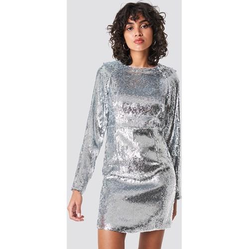 bb678f5bf0 Sukienka NA-KD Party glamour prosta mini z okrągłym dekoltem w Domodi