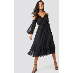 bd14941aa0 Sukienka Trendyol z długim rękawem z dekoltem typu hiszpanka midi na  sylwestra