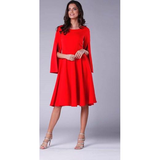 a5c43f4f96 Sukienka Nommo czerwona z długim rękawem bez wzorów elegancka midi w ...