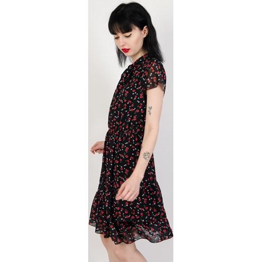 07db94ca71 Sukienka Olika w kwiaty czarna trapezowa  Sukienka Olika trapezowa ...