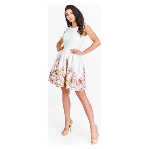 6976fa5b8a Sukienka Betty M na sylwestra biała w kwiaty ...