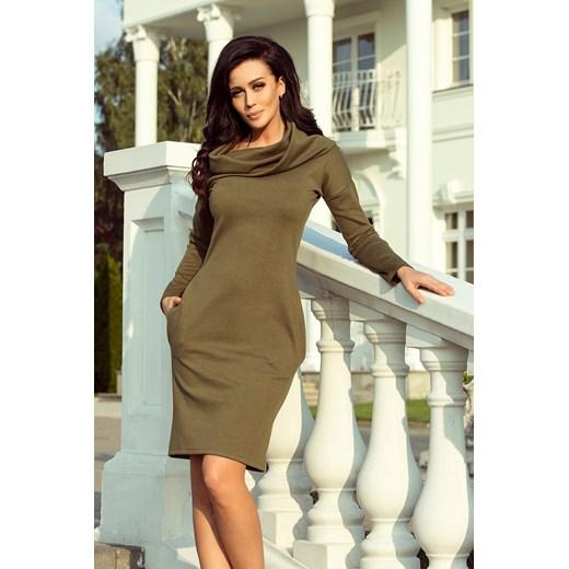 d914373909 Sukienka zielona Numoco luźna z golfem oversize owa midi na spacer casualowa