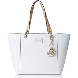 edb81c531f3a6 Biała shopper bag Guess matowa z breloczkiem elegancka