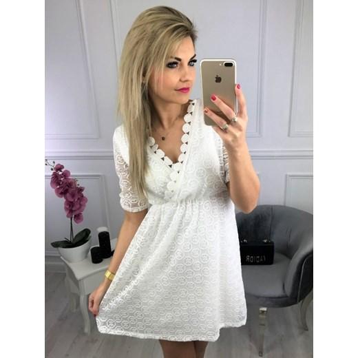 c3e277e631 Sukienka na co dzień biała z długimi rękawami mini trapezowa w Domodi
