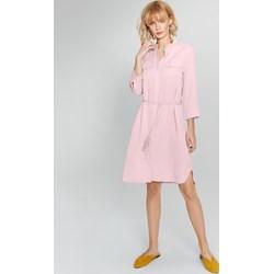 19206dfdf7 Sukienka Femestage różowa bez wzorów na uczelnię