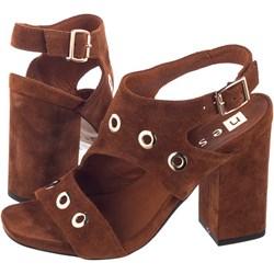 8358607a90470 Nessi sandały damskie z klamrą eleganckie bez wzorów na wysokim obcasie