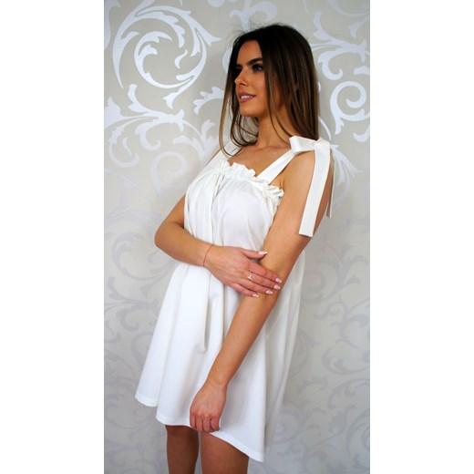 d372602ede Sukienka oversize casual z wiskozy bez wzorów w Domodi