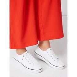 a5573c87d094c Trampki damskie Tommy Hilfiger białe z tkaniny z niską cholewką bez wzorów sportowe  wiązane płaskie