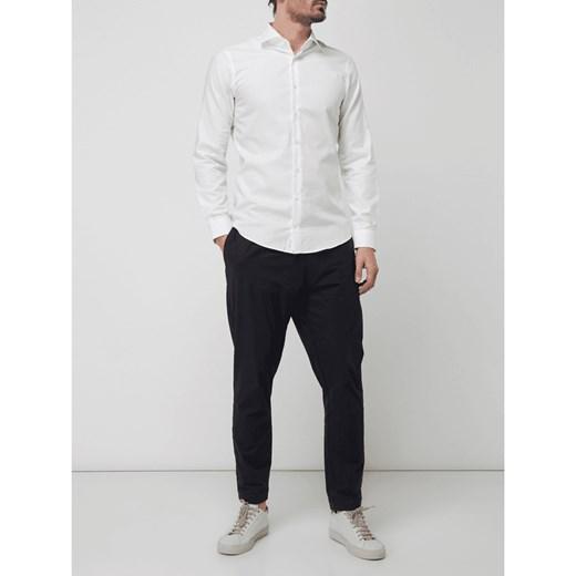 651f965798a68 Koszula męska Strellson z długim rękawem biała bez wzorów z klasycznym  kołnierzykiem ...