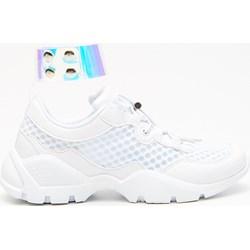 374327b3baef2 Sneakersy damskie Cropp białe na wiosnę sznurowane