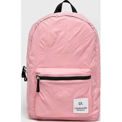 60c4b3a8ebac8 Różowe plecaki damskie calvin klein, lato 2019 w Domodi