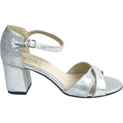 24bf4935 Sandały damskie srebrne Verdi bez wzorów z klamrą