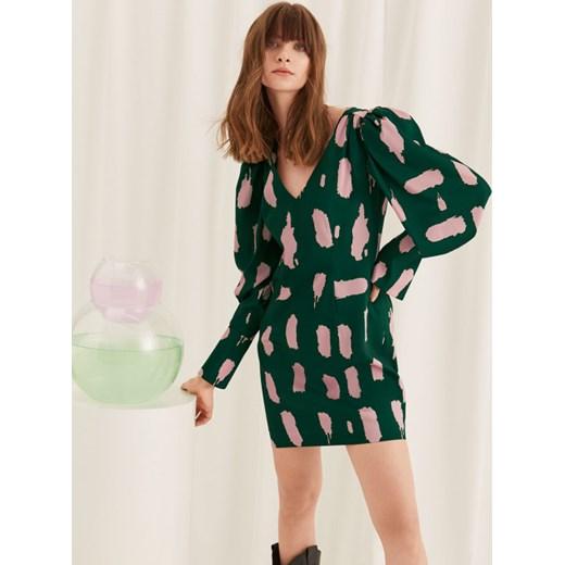 54d91313aa Sukienka Bohoboco z długimi rękawami na spacer casualowa satynowa mini