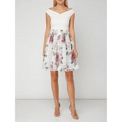5069fbd4b5 Sukienka Ted Baker z wiskozy mini wiosenna z odkrytymi ramionami