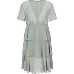 880d372b8d Sukienka szara NA-KD z krótkim rękawem casualowa midi