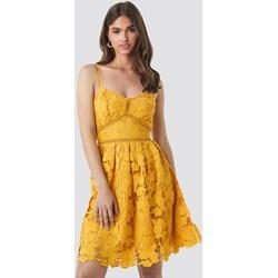 8458cb13ed Sukienka żółta NA-KD Boho na ramiączkach