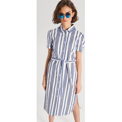 726f70ac7c4c7 Sukienka wielokolorowa Cropp koszulowa biznesowa na wiosnę