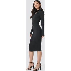 678b48e62e Sukienka czarna NA-KD Trend z długimi rękawami dopasowana