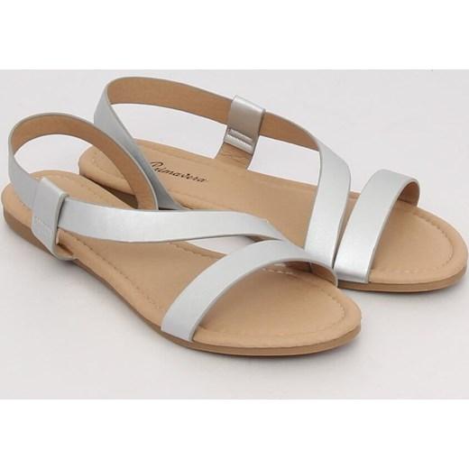 Sandały damskie białe bez obcasa ze skóry ekologicznej bez wzorów Buty Damskie MA biały Sandały damskie GDSN